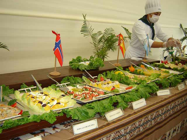 buffet dinner in Peru 18 days luxury