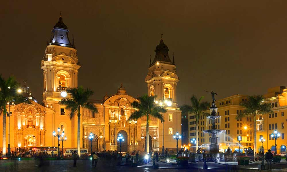 main square in lima  5 days