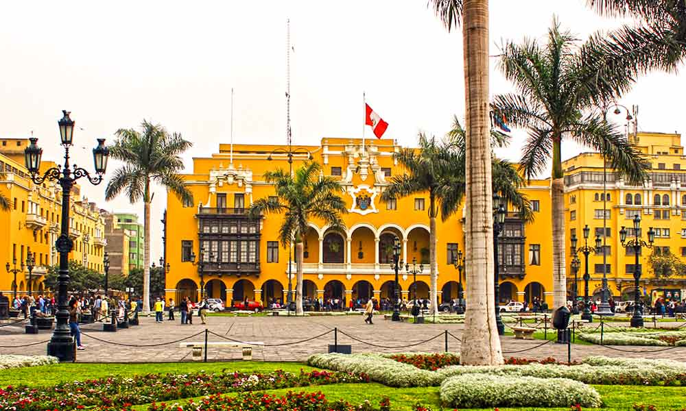 main square in lima  15 days living tourism