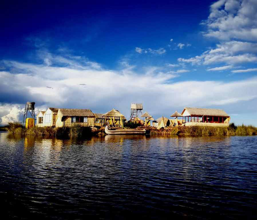 Los uros lodge island tour package 10 living